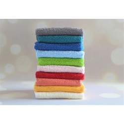 Kremowy ręcznik z haftem imienia